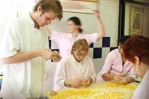 corso pasta fresca e sfoglia per turisti bologna